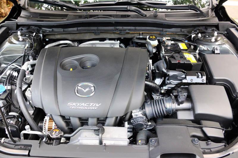 新改款Mazda3仍搭載2.0升自然進氣引擎,可輸出165ps最大馬力與21.4kgm最大扭力。