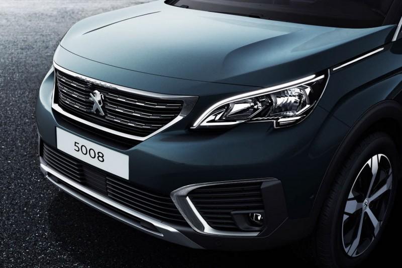 車頭造型幾乎與3008如出一轍(其實彼岸的新4008跟歐洲市場的新3008外型一模一樣)