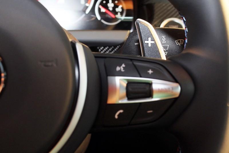 BMW M Power車款換檔撥片不但就手,飛快速度對賽道競速更是一大利器
