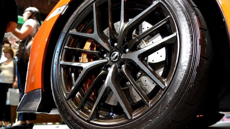 20吋胎圈組合與AWD四驅系統讓GT-R進化後的565hp 動力得以完整傳遞至路面