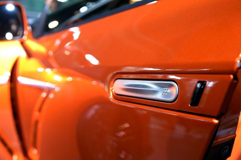 除了Aston Martin之外很少車採用的隱藏式車門把手,GT-R也有