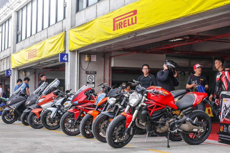 DIABLO ROSSO III 安排包含 BMW、DUCATI、HONDA、KAWASAKI、KTM、TRIUMPH等多款街車供體驗。
