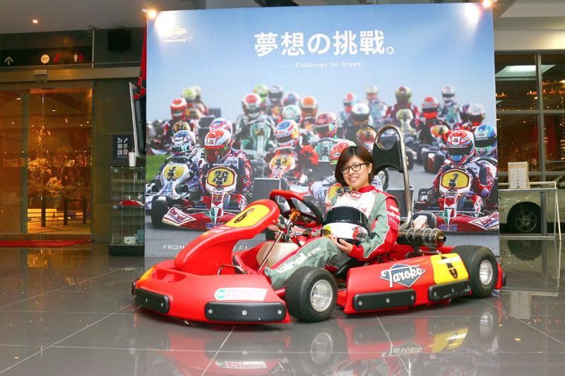 賽事經驗豐富的Doris是「大魯閣賽車女孩俱樂部」最速隊員。