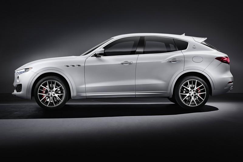 Levante側面相當流線,尤其腰線以上根本四門跑車模樣!可以直接做成Maserati的Panamera?