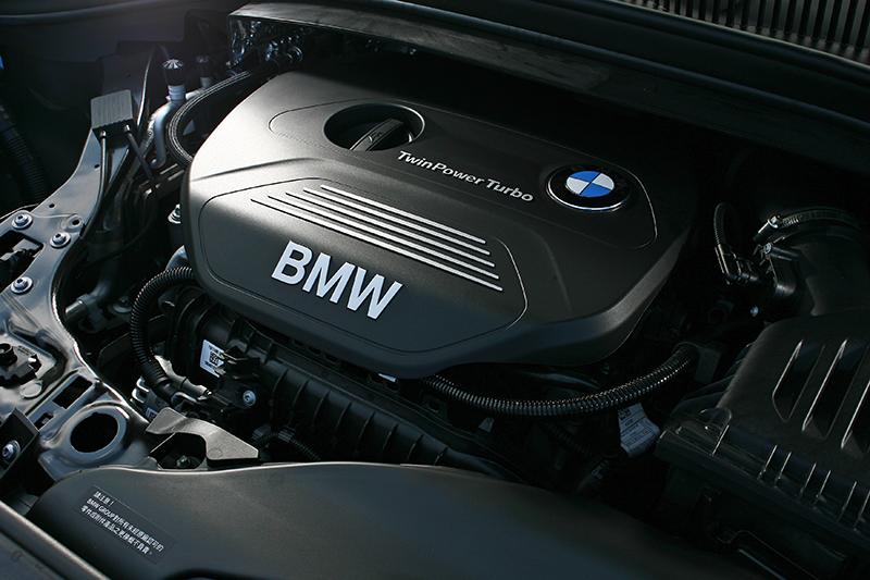 搭載1.5升TwinPower Turbo三缸引擎具備136hp/220Nm動力輸出。