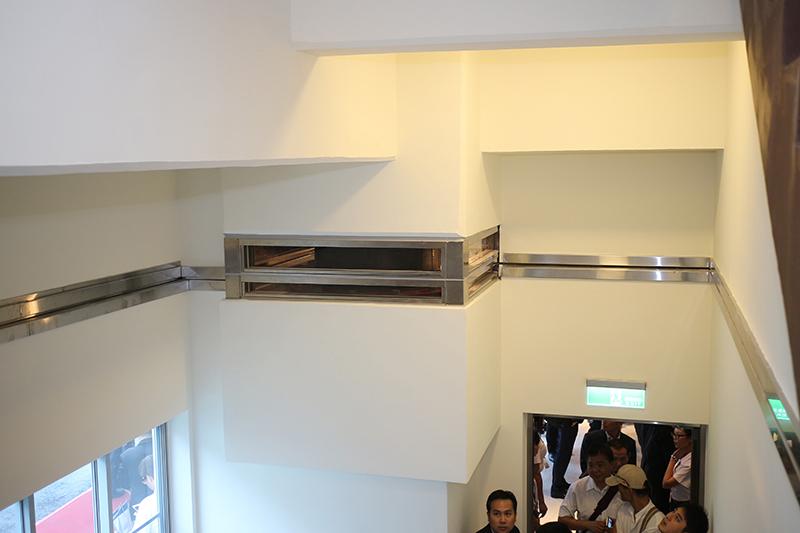 日本市佔第一的「橡膠隔震支承」也是Bridgestone的傑作,新大樓則大方展示架設位置。
