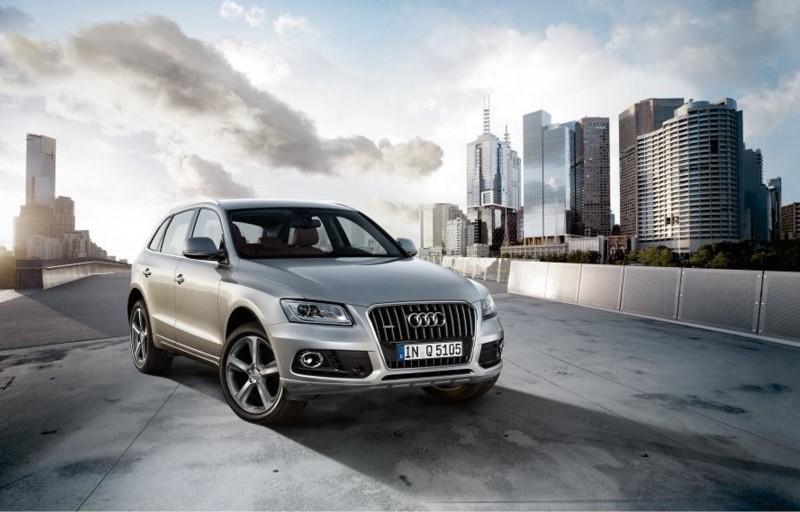 即日起入主Audi Q5 40 TFSI quattro,立刻享有價值40萬元的Audi Q5車系原廠專屬越野套件免費升級專案,套件內容包括前後保險桿、水箱護罩側裙、輪拱、車門護板,並針對底盤部份提供不銹鋼車底護板、20吋10幅設計鋁合金輪圈,為喜愛Audi Q5車系的準車主們,打造出饒富個性化、科技感與運動奢華為訴求的豪華休旅車座駕。