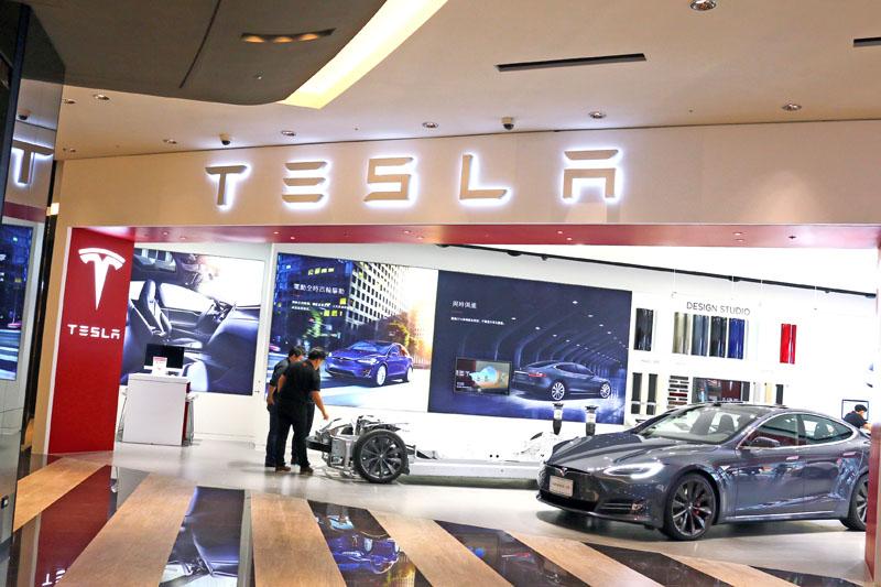 Tesla一進入台灣市場便選擇在百貨公司設立第一個據點。