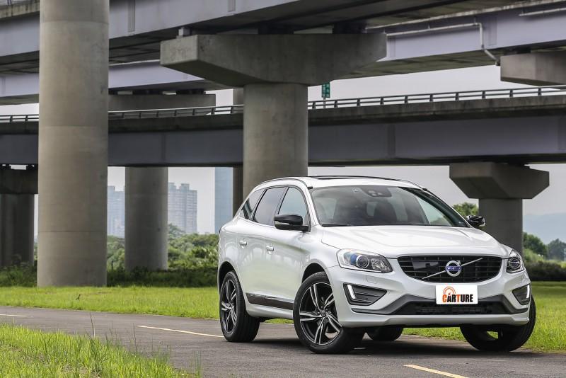 免費加裝Polestar套件,XC60 T5 R-Design售價優惠216萬元。
