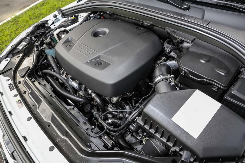 安裝上Polestar動力升級套件後,2.0升渦輪增壓汽油引擎最大馬力從原先的245hp提升至253hp,峰值扭力則從35.7kgm進步至40.8kgm。