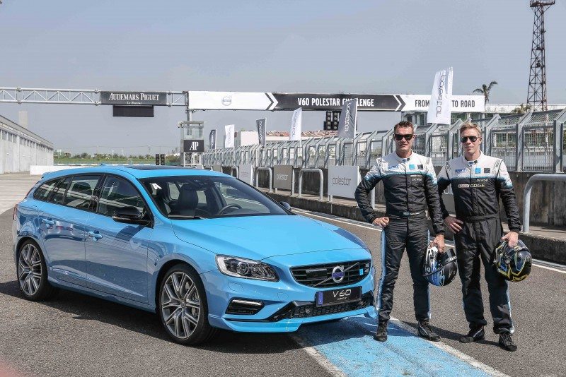 考量賽道安全與讓Volvo V60 Polestar性能發揮淋漓盡致,特別找來兩位WTCC, Polestar Cyan Racing賽車暨研發車手。