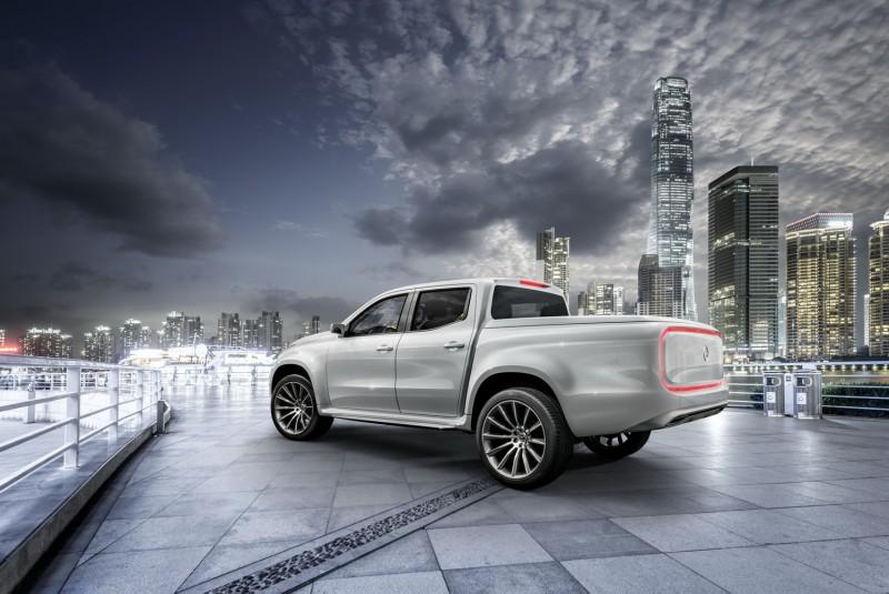方框形尾燈設計源自F015概念車,貨斗還有同色烤漆上蓋