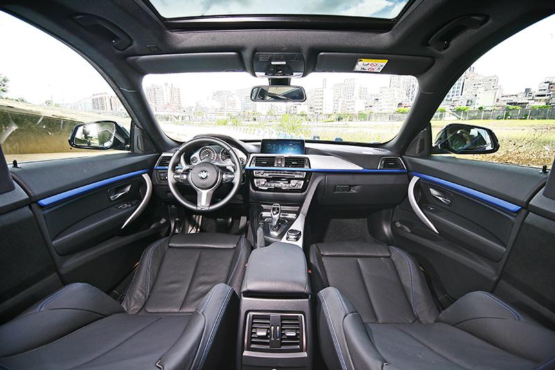 小改款的3 Series Gran Turismo內裝變化不大,多著重在用料材質的處理等等細節。