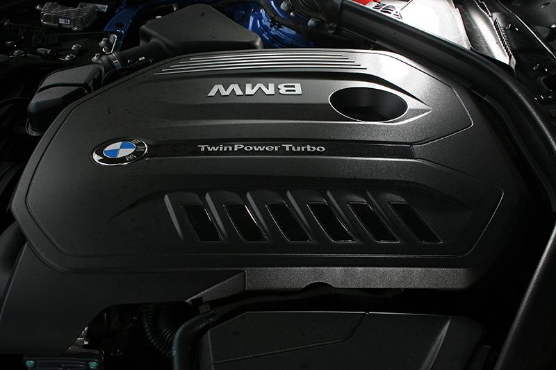 326hp最大馬力當然狂猛,輕易就將0-100km/h加速成績訂在5.1秒的門檻上。
