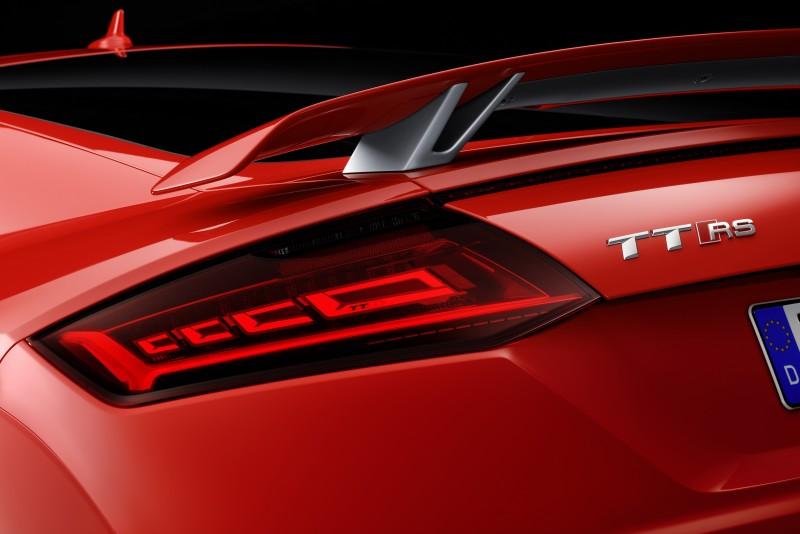 TT RS為Audi首輛搭載Matrix OLED尾燈車款