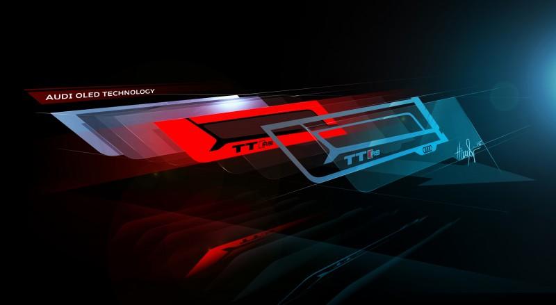 最外一片OLED上還刻有TT RS字樣