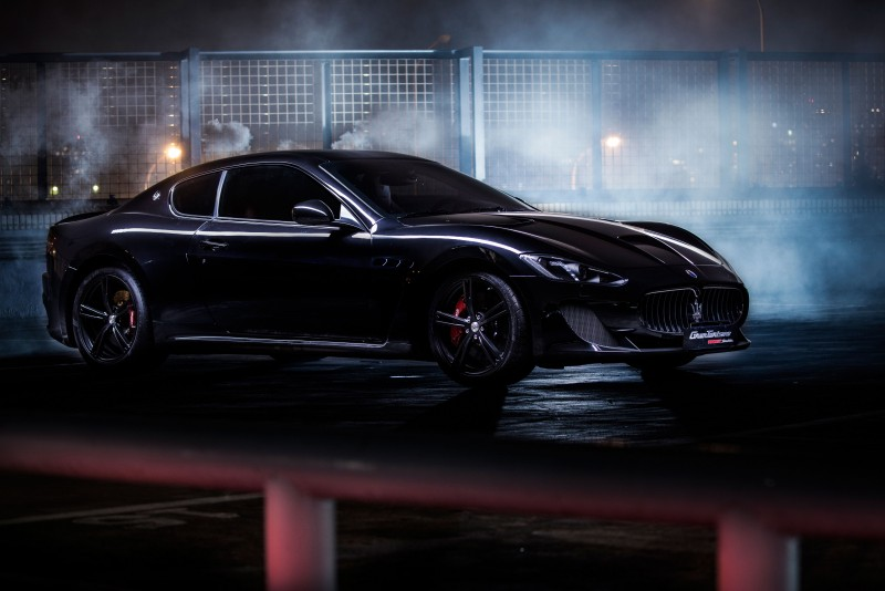 Maserati採用NERO元素,為喜愛純正GT賽車的您精心打造GranTurismo MC Stradale Nero Limited Edition,帶您以黑如疾風之姿顛覆極速。