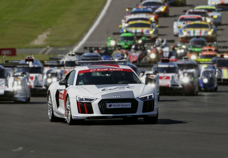 台灣奧迪將打造「臺北渣打公益馬拉松賽事專屬Audi Sport車隊」,提供價值高達4,000萬元的Audi Sport旗下S / RS性能車款做為賽事用車,並將由旗艦超跑Audi R8領跑,象徵破風前進的強大動能,引領選手們完賽!
