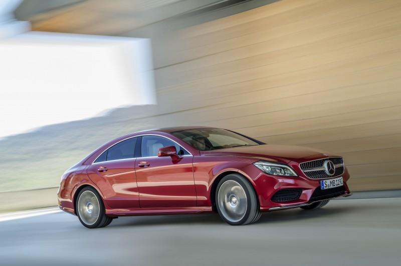 即日起至11月底,購買Mercedes-Benz CLS車款即享「一年乙式保險含100萬零件險」與「4年保養套裝」豐厚購車好禮回饋