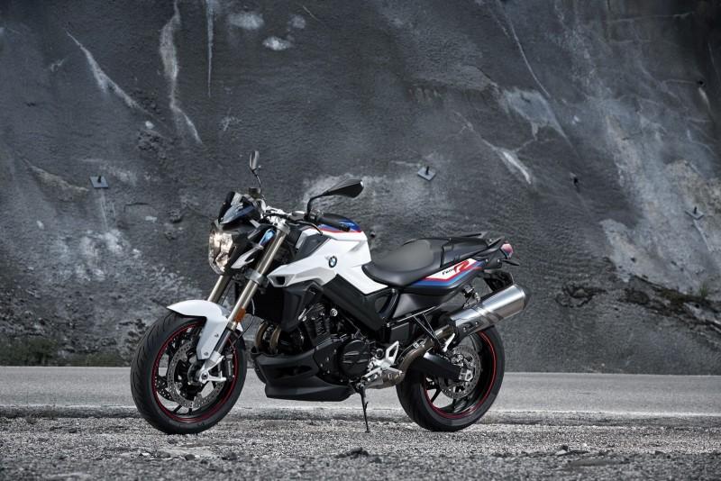 F800R提供三種車色選擇,此為最能代表BMW Motorsport的塗裝配色。