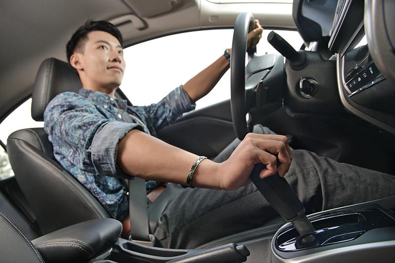 Honda CITY配備的是CVT無段自動變速箱,平常都會走走停停情況下比起傳統自排更加省油。
