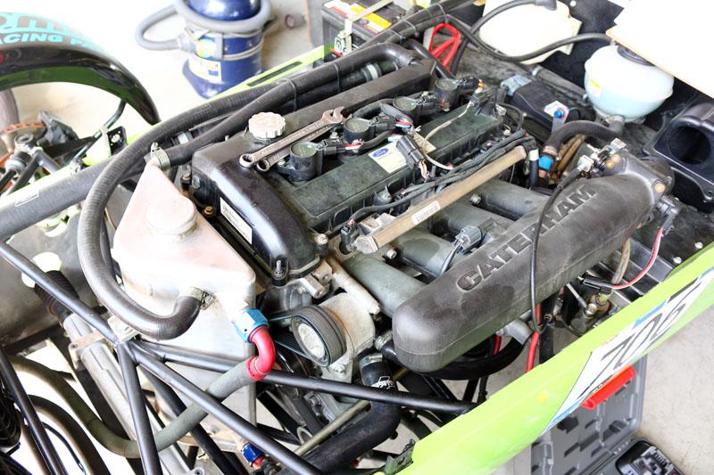 R300統規賽車動力系統來自一具2.0升的自然進氣引擎,最大馬力約180hp,數據看似不大,但整體車重不到600kg,性能仍十分強大。