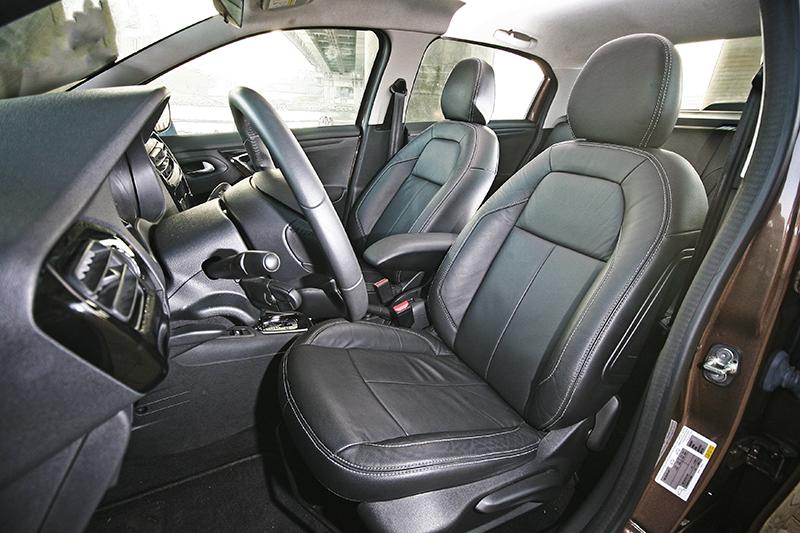 在皮革材質座椅妝點下,座艙質感得以有效提升。