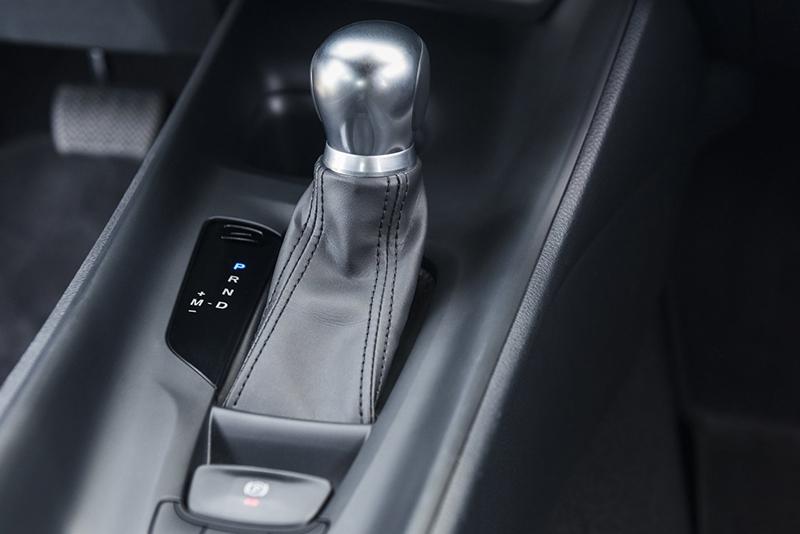 變速系統採CVT機制,並附有模擬檔位手動功能。