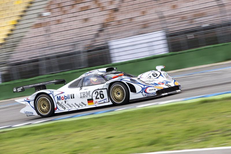 曾在1998年為Porsche奪下歷史第16座冠軍的911 GT1賽車。