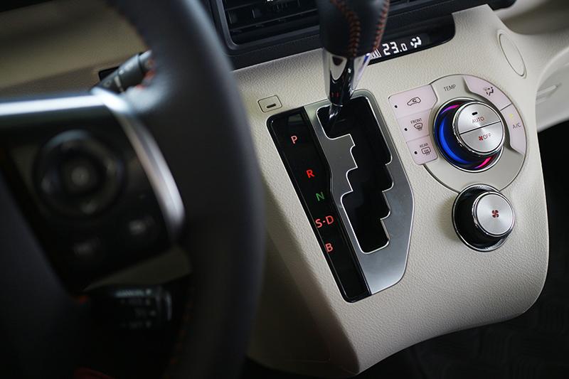 就連金屬感度料與旋鈕處理也進步多多,內銷版本的Toyota確實不同凡響!