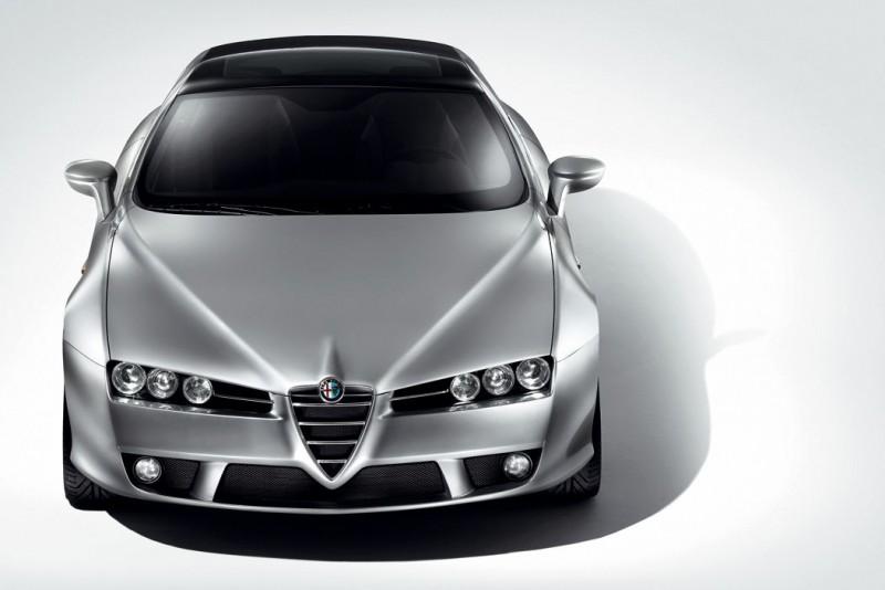 同樣由Giorgetto Giugiaro操刀設計,Alfa Romeo Brera不重線條但車頭更顯霸氣