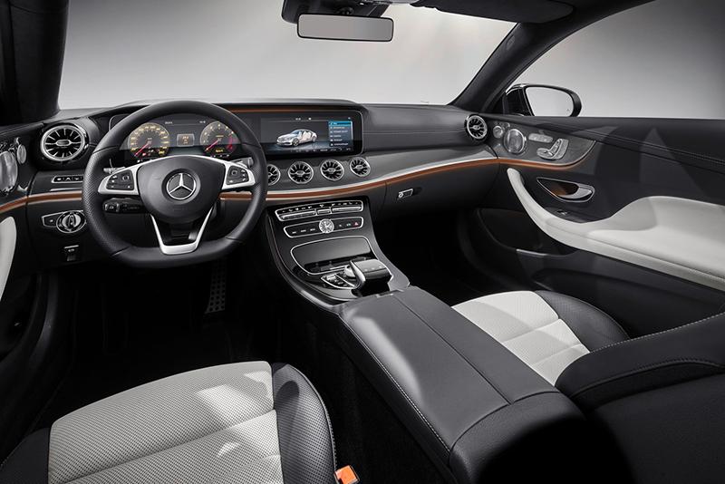 現行E-Class的科技氛圍與典雅奢華在全新E-Class Coupe上頭當然被完整保留下來,僅在出風口設計做出變化。