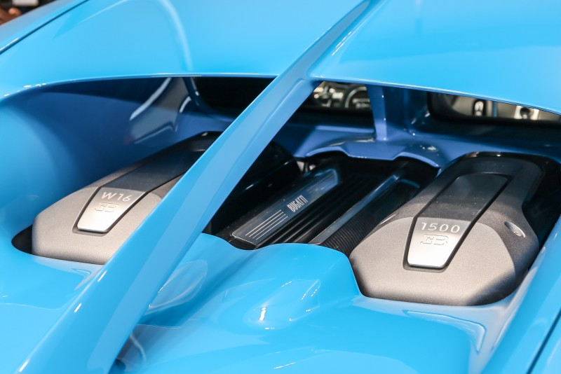 Chiron搭載充滿傳奇的W16汽油引擎,具備最新研發的雙階段增壓系統,具備1500hp/6700rpm最大馬力與1600Nm/2000-6000rpm最大扭力。