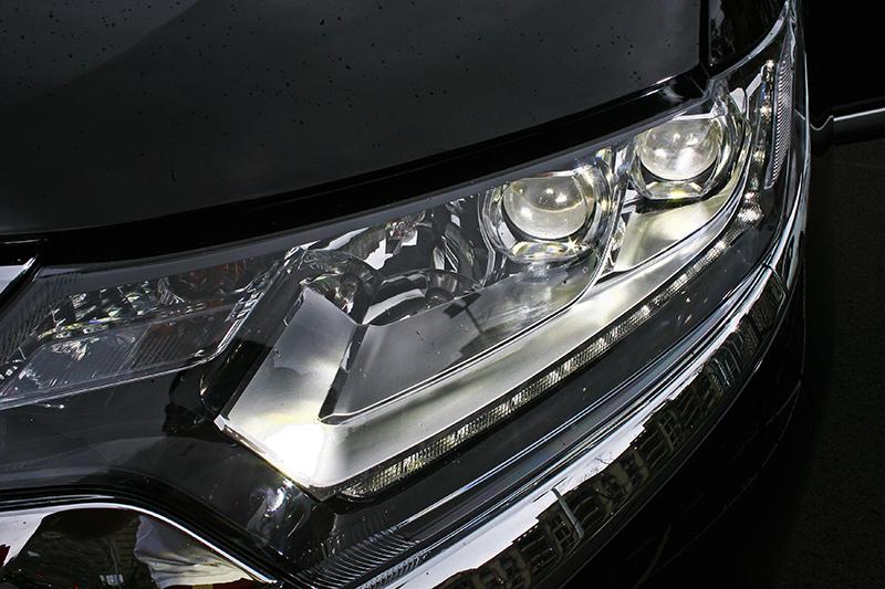 全車系標準配備 LED 晝行燈,旗艦型等級以上更具備 LED 照明頭燈。