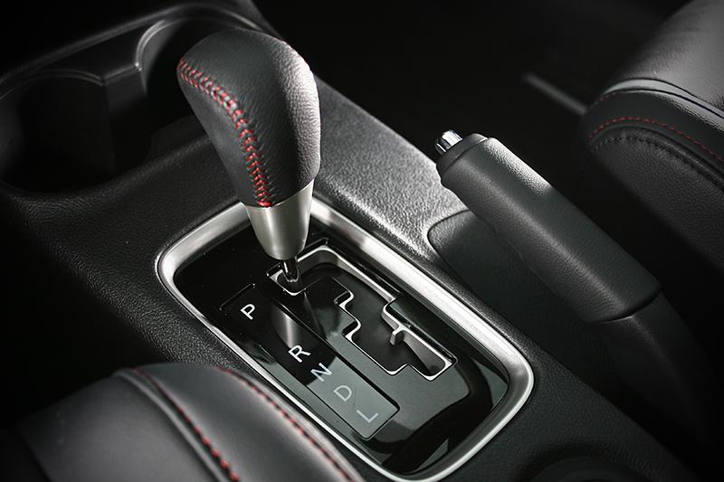 全新世代 INVECS III 智慧型無段變速系統,能夠在行駛時將轉速維持在最佳的狀態下。