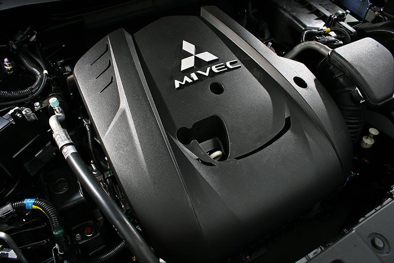2.4 升 MIVEC 引擎可輸出168ps最大馬力,同時運轉聲浪更加平順寧靜。
