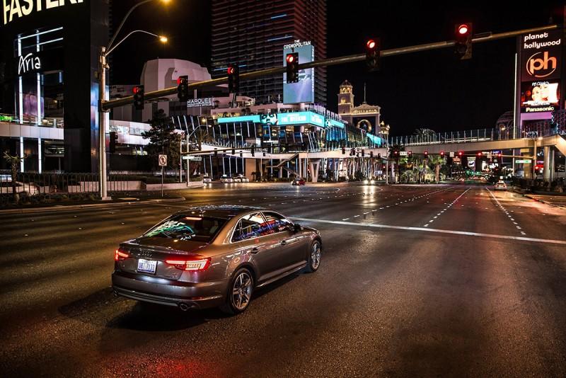 Audi與交通資訊供應商Traffic Technology Services合作,率先在美國拉斯維加斯開通Traffic Light Information服務,成為首家真正實踐V2I車輛與基礎設施聯網的汽車品牌,幫助優化交通流量、節省寶貴時間和降低對環境的影響。