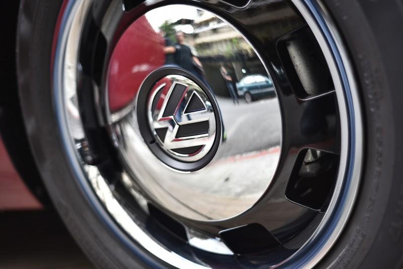 四輪採用經典之17 吋Circle Black 鋁合金輪圈