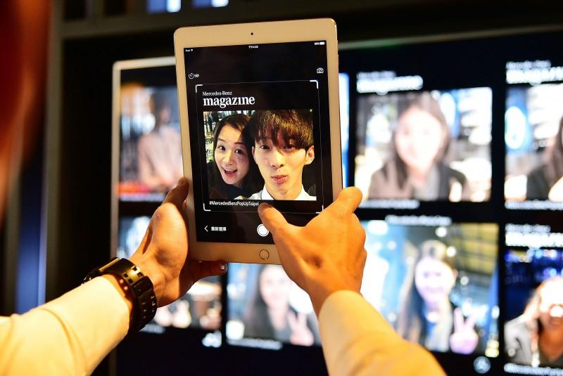 現場民眾亦可透過全新設計的拍照app,將館內的體驗同步分享給全球各地的親朋好友。
