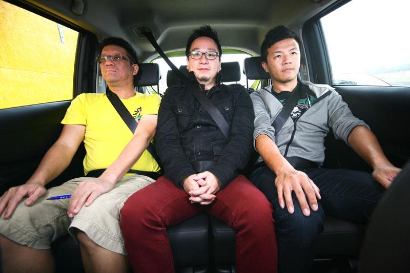 將車內空間發揮到極致的Sienta,後座椅背寬度達124.5cm,可讓三名成人乘坐也不會顯得太過壅擠。
