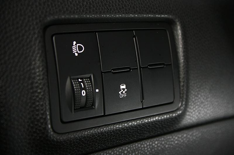 ESC電子車身穩定系統與VSM車身動態管理系統上身,誰說開便宜小車上路就是時刻上演玩命關頭?