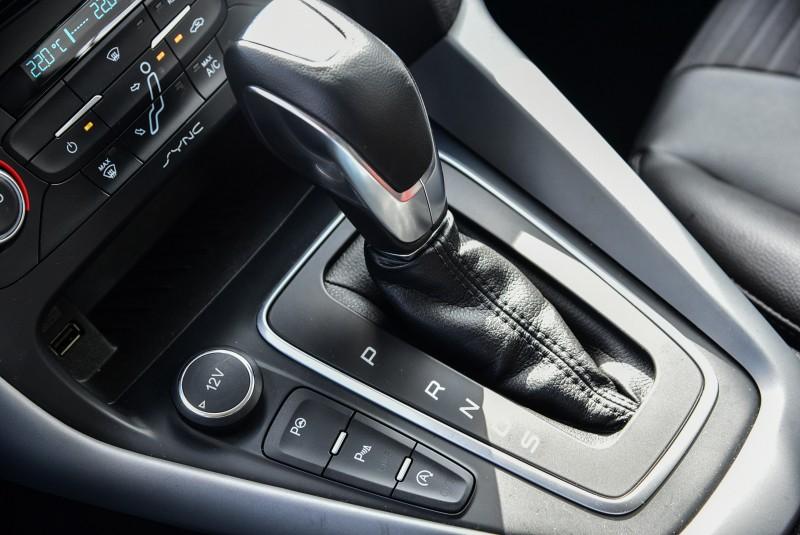主動式全方位停車輔助系統也是Focus EcoBoost 180五門汽油頂級運動型的標準配備,更添用車便利。