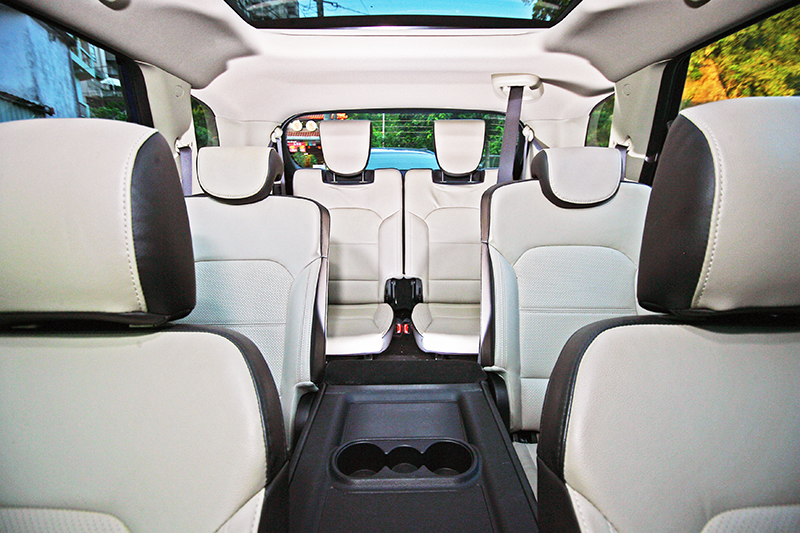 國產七人座車款除Toyota Sienta以外,目前購入門檻第二低的就是面面俱到的Kia Carens了。