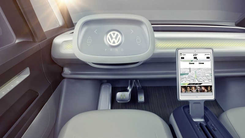 Volkswagen I.D. BUZZ概念車配備I.D. Pilot自動駕駛科技,且整合多項人性化科技配備,展演Volkswagen以「人」為本的造車理念。