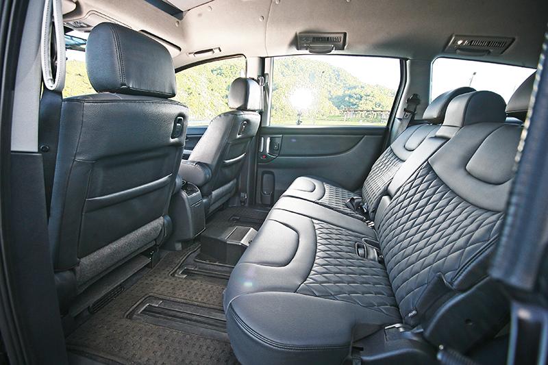 無論是否搭載輪椅,這輛車依舊擁有舒適寬敞的空間,M7 Turbo Eco Hyper的優勢在此清晰得見。