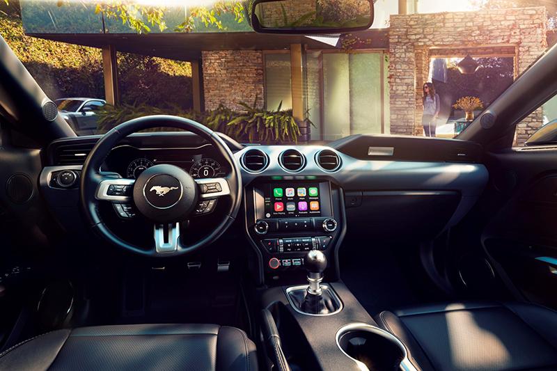 小改款Mustang也在座艙中加添些許新意。