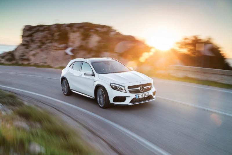 動力最高規車型正式名稱是:Mercedes-AMG GLA 45 4MATIC