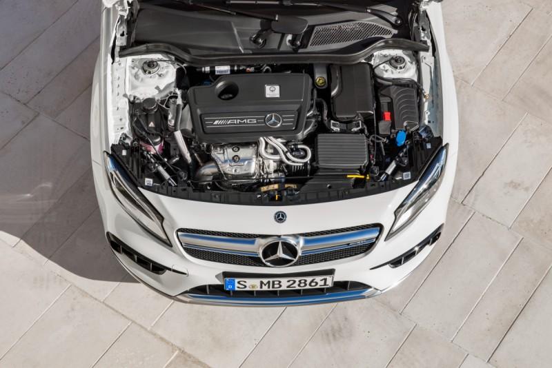 Mercedes-AMG GLA 45 4MATIC搭載可輸出381hp/48.46kgm動力的四缸2.0升渦輪增壓引擎