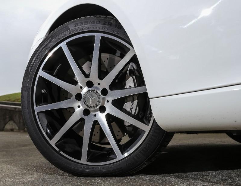 輪圈尺碼為18吋規格。
