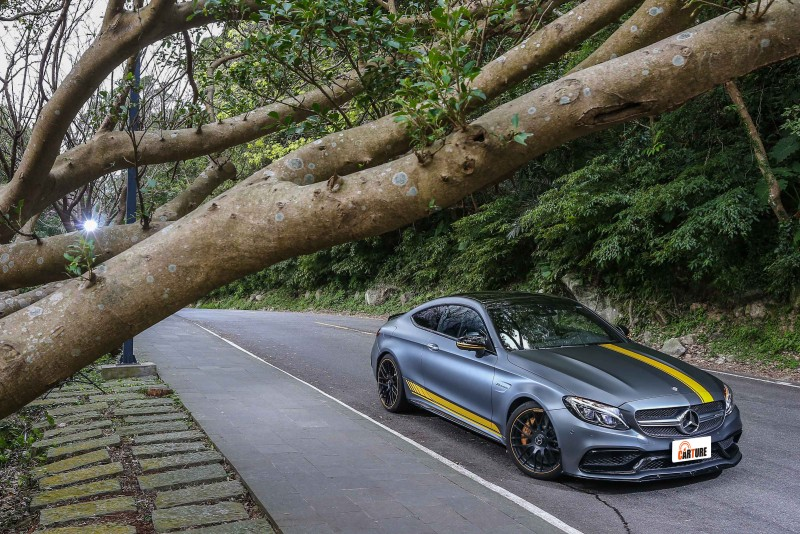 性能表現相當暴力的C63 S Coupe,徹底顛覆W205世代C-Class給人的豪華舒適印象。